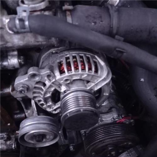 Alternador Volkswagen LT 28-46 II Caja/Chasis (2DX0FE) 2.8 TDI (038903018P) alternador para VOLKSWAGEN LT 28-46 II Caja/Chasis (2DX0FE) 2.8 TDI camión