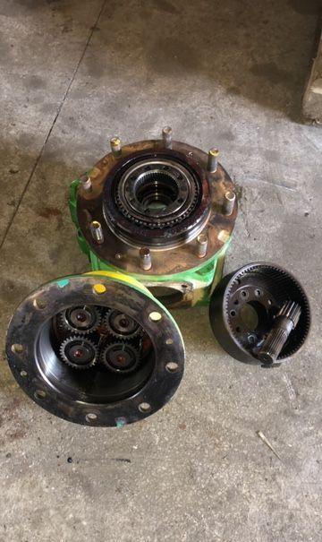 - [CZĘŚCI] buje de rueda para JOHN DEERE 3420 tractor