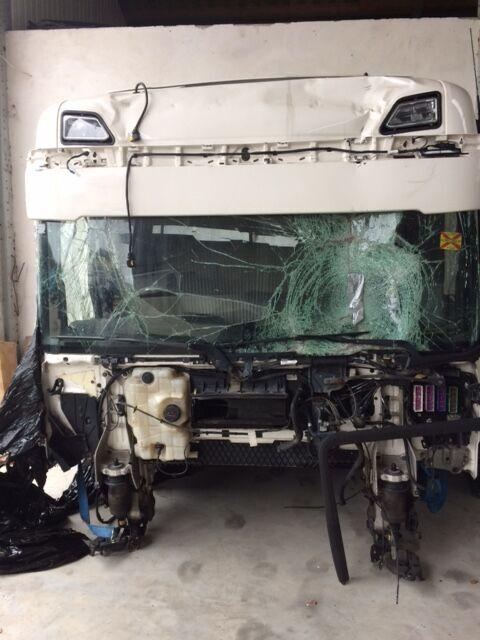 cabina para SCANIA S 580 tractora siniestrada
