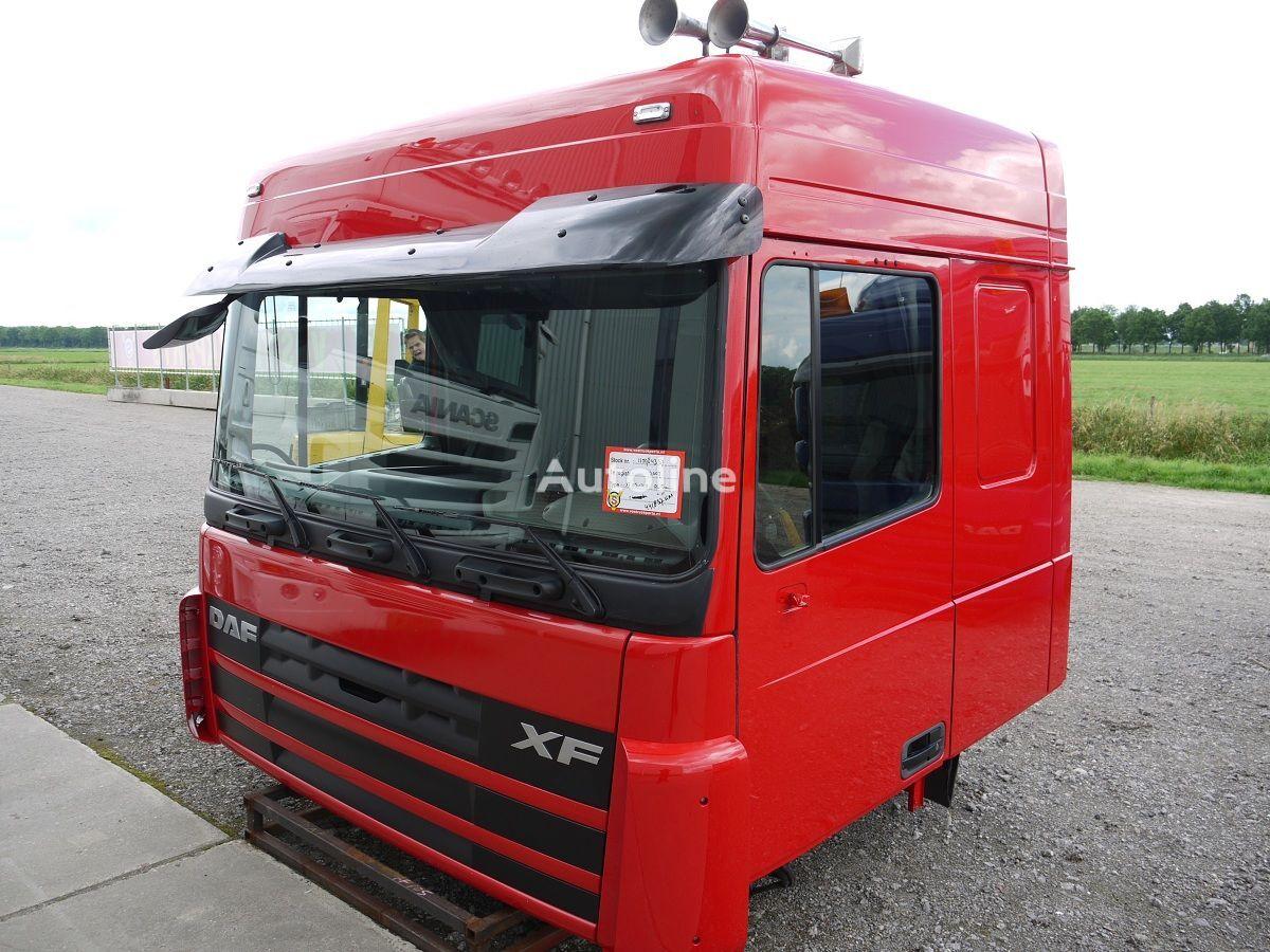 DAF XF105 SPACE CAB cabina para DAF XF105 SPACE CAB tractora después del accidente