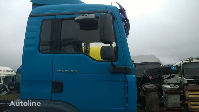 cabina para MAN TGA budowlana dzienna - 21000 zl. netto tractora