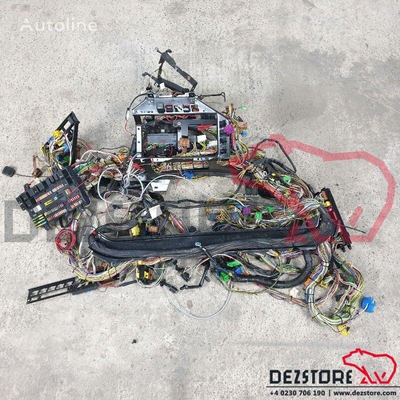 Instalatie electrica bord (85107066) cableado para VOLVO FH tractora