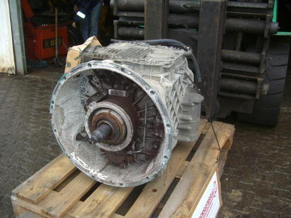 VOLVO AT2412C GEARBOX caja de cambios para tractora