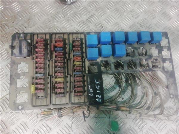 Caja Fusibles/Rele Renault Midliner M 230.16/D caja de fusibles para RENAULT Midliner M 230.16/D camión