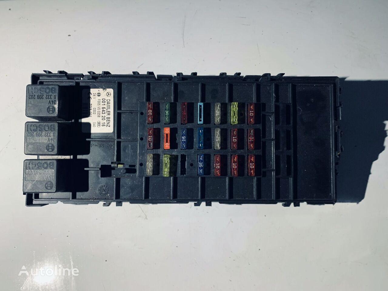 MERCEDES-BENZ (0015432015) caja de fusibles para MERCEDES-BENZ tractora