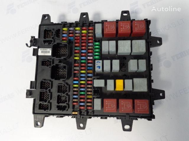 caja de fusibles RENAULT Fuse protection box 7421464562, 7421169993, 5010590677, 74210795 para tractora RENAULT