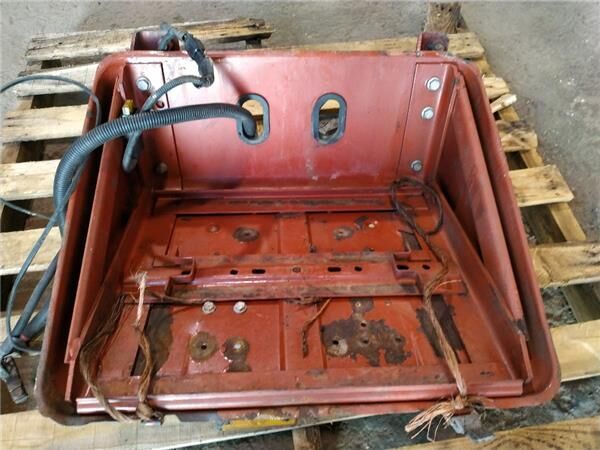 Soporte Baterias Iveco EuroCargo tector Chasis     (Modelo 150 E (500383191) caja para batería para IVECO EuroCargo tector Chasis (Modelo 150 E 24) [5,9 Ltr. - 176 kW Diesel] camión