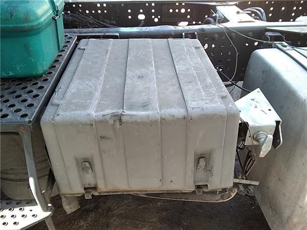 Tapa Baterias Iveco Stralis AD 440S45, AT 440S45 caja para batería para IVECO Stralis AD 440S45, AT 440S45 tractora