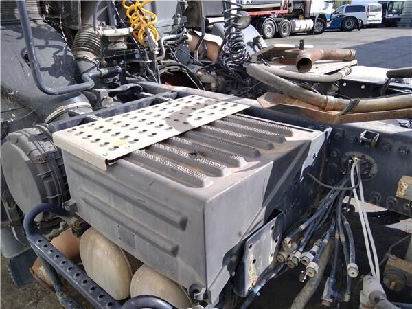 Tapa Baterias Renault Premium 2 Route 380.18 (7420518311) caja para batería para RENAULT Premium 2 Route 380.18 camión