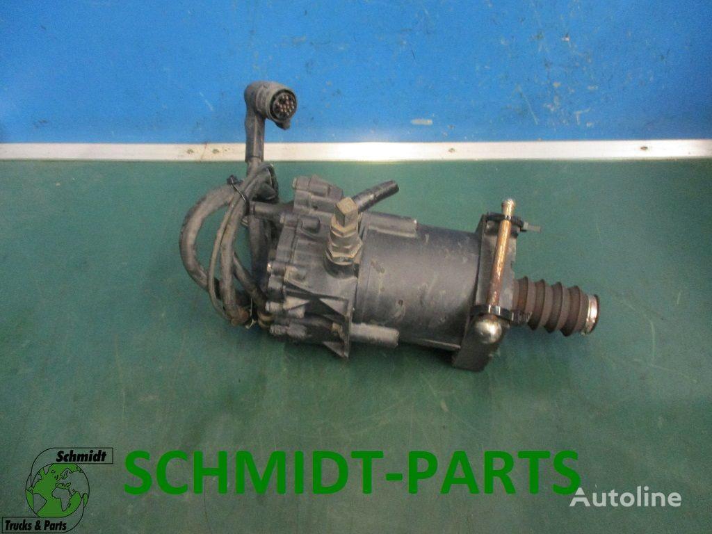 cilindro maestro de embrague MAN 81.30716-6113 Koppelingscilinder para camión