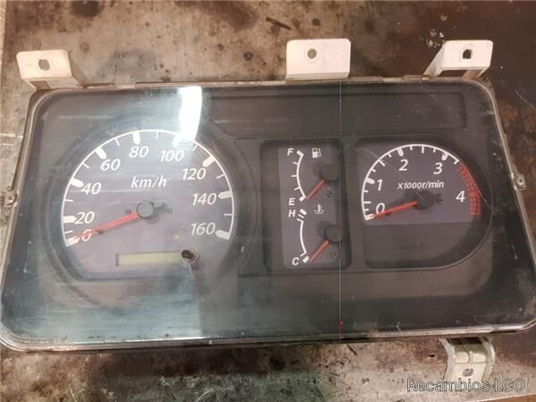 Cuadro Instrumentos Isuzu N-Serie Fg  3,5t [3,0 Ltr. - 110 kW Di cuadro de instrumentos para ISUZU N-Serie Fg 3,5t [3,0 Ltr. - 110 kW Diesel] camión