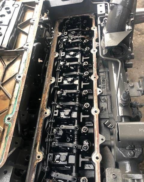 JOHN DEERE Głowica Cylindrów culata para JOHN DEERE R527376  tractor