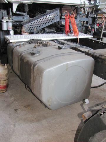 RENAULT depósito de combustible para RENAULT MAGNUM tractora