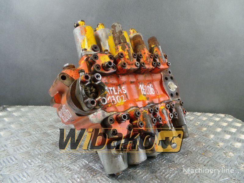 distribuidor hidráulico ATLAS 1302 para excavadora ATLAS 1302 M/4