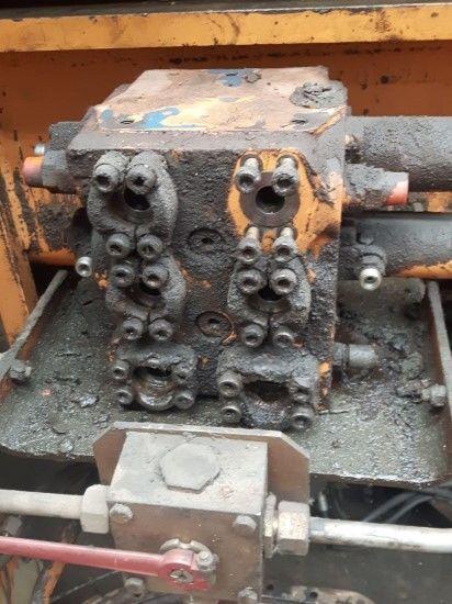 distribuidor hidráulico CASE (DISTRIBUIDOR TRANSLACIÓN) para excavadora CASE 1188