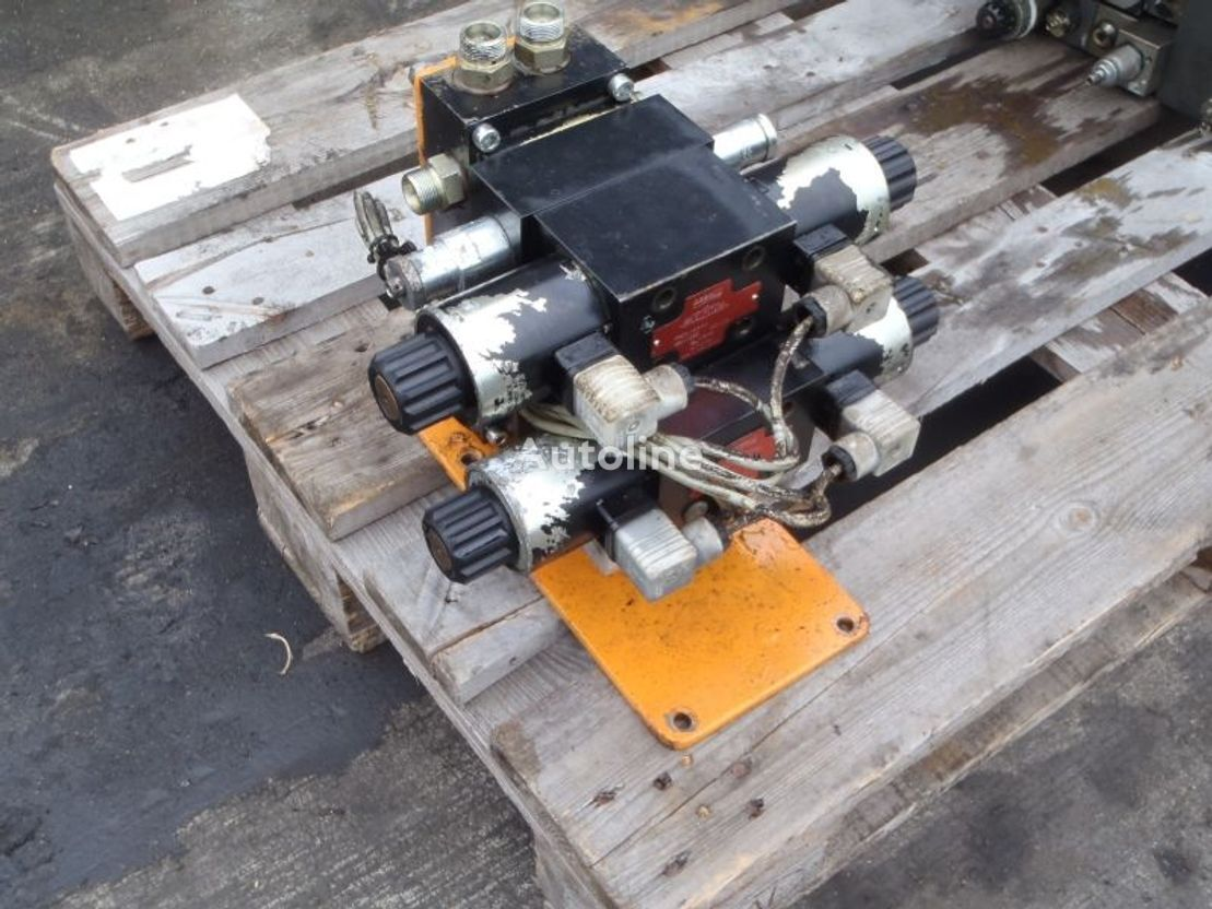 DIV. ARGO HYTOS MAGNEET VENTIEL distribuidor hidráulico para camión