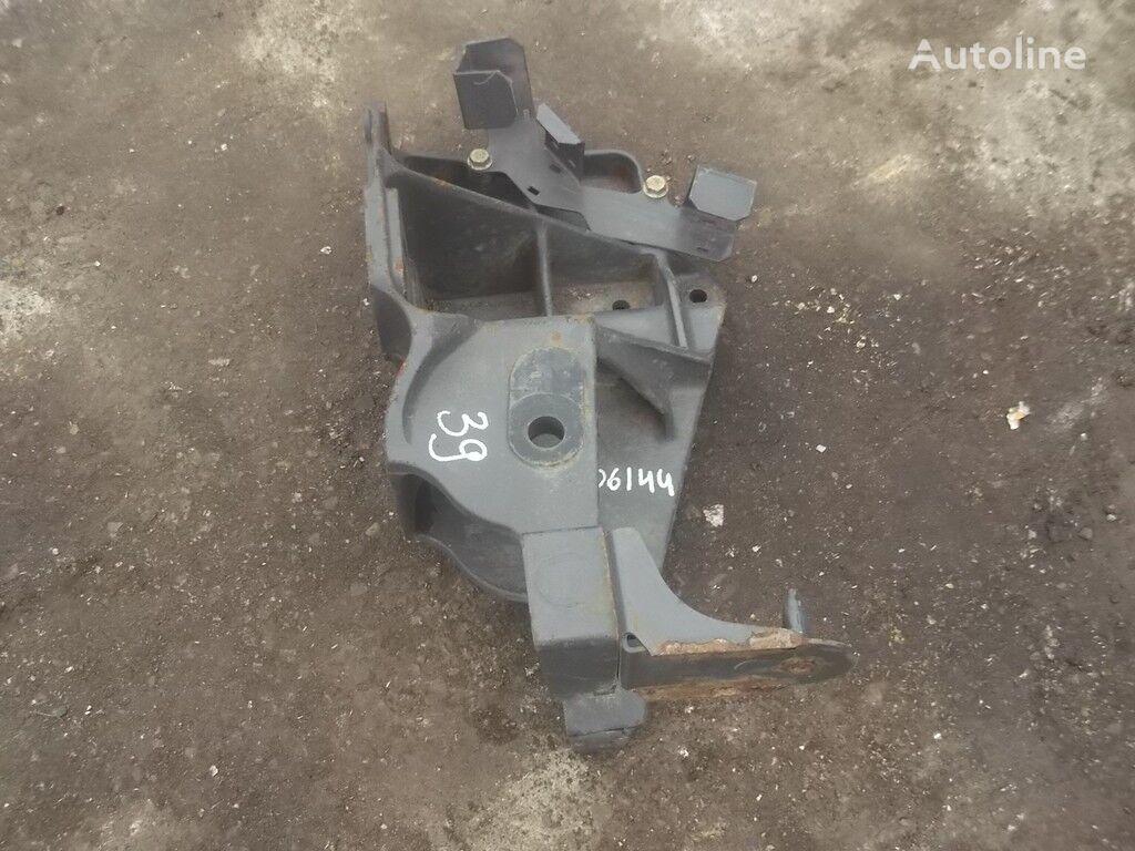 Kronshteyn krepleniya peredney ressory RH Renault elementos de sujeción para camión