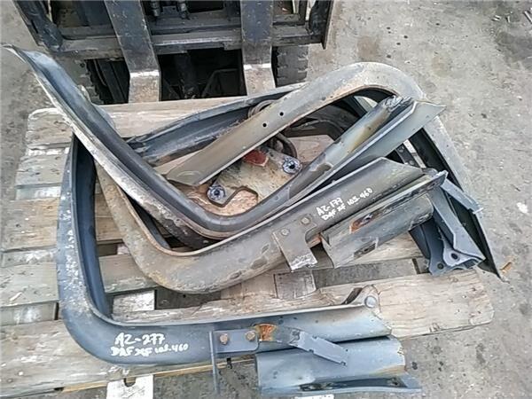 Soporte Delantero Deposito Combustible Soporte Delantero Deposito Combustible DAF XF 105 FAS 105.460, F (1659141) elementos de sujeción para DAF XF 105 FAS 105.460, FAR 105.460, FAN 105.460 tractora