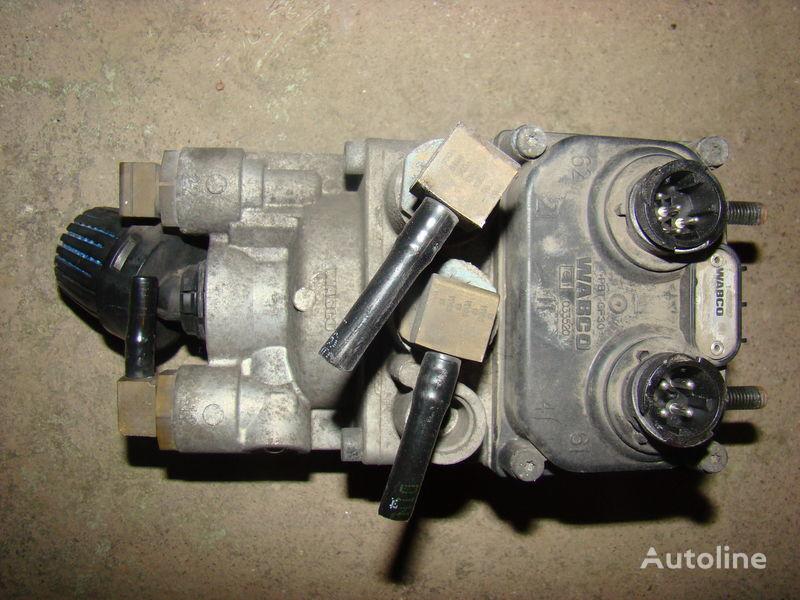 DAF 105XF foot brake valve 1455027 grua para DAF 105XF tractora