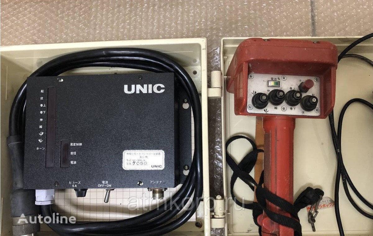 UNIC Radio pult s priemnikom Komplekt priemoperedatchika mando a distancia de suspensión para grúa autocargante