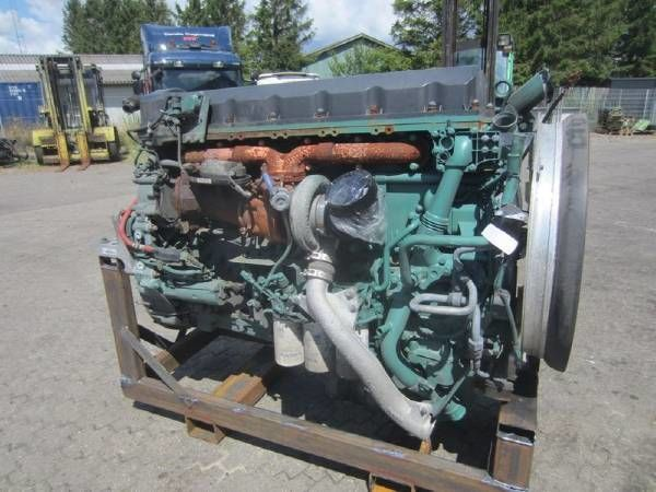 VOLVO D13C - 460 HP - VEB+ motor para tractora