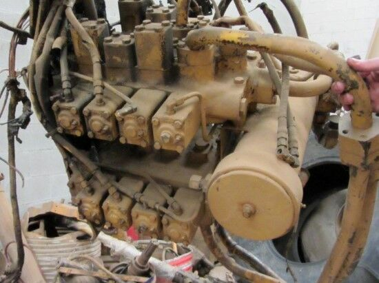 motor CATERPILLAR 215 (DISTRIBUIDOR) para otra maquinaria de construcción