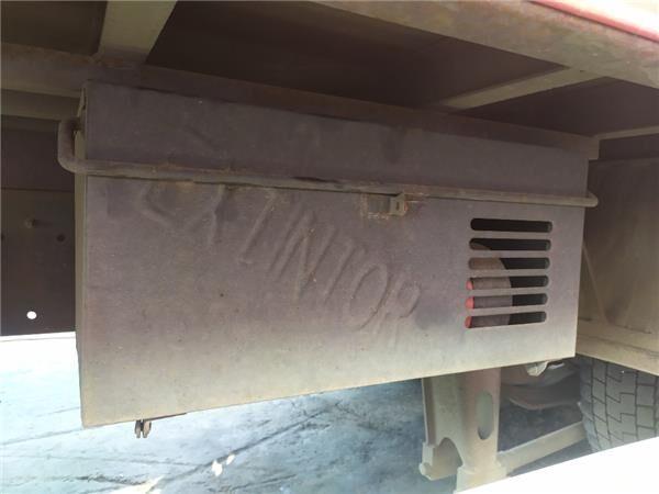Caja Extintores otra pieza de cabina para IVECO EuroCargo tector Chasis (Typ 120 EL 21) [5,9 Ltr. - 154 kW Diesel] camión