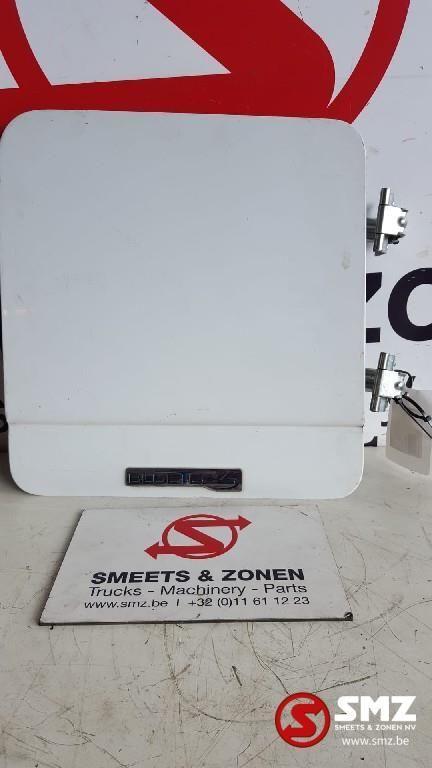 MERCEDES-BENZ Occ klep gereedschapskoffer/materiaalkist rechts (9437500502) otra pieza de cabina para camión