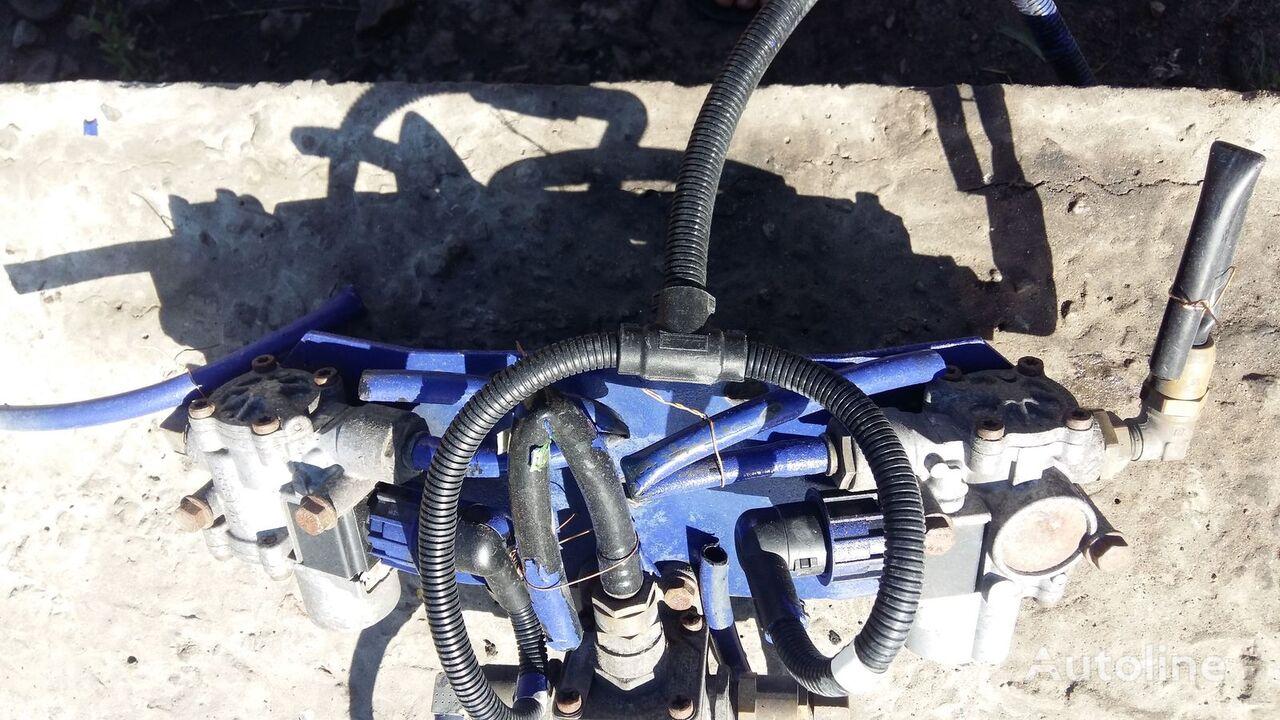 Rozpodilyuvach galmivnih sil   WABCO (4757110710) otra pieza del sistema de frenado para DAF CF 4757110710 camión