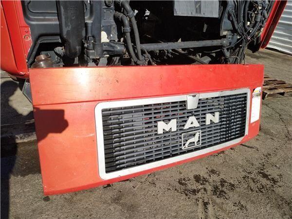 Calandra MAN M 90  18.192 - 18.272 Chasis   18.272    198 KW [6, (81611100016) parrilla de radiador para MAN M 90 18.192 - 18.272 Chasis 18.272 198 KW [6,9 Ltr. - 198 kW Diesel] camión
