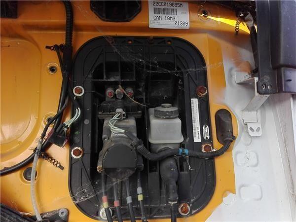 Juego Pedales Completo Renault Premium Distribution 420.18 (5010505089) pedal de embrague para RENAULT Premium Distribution 420.18 camión