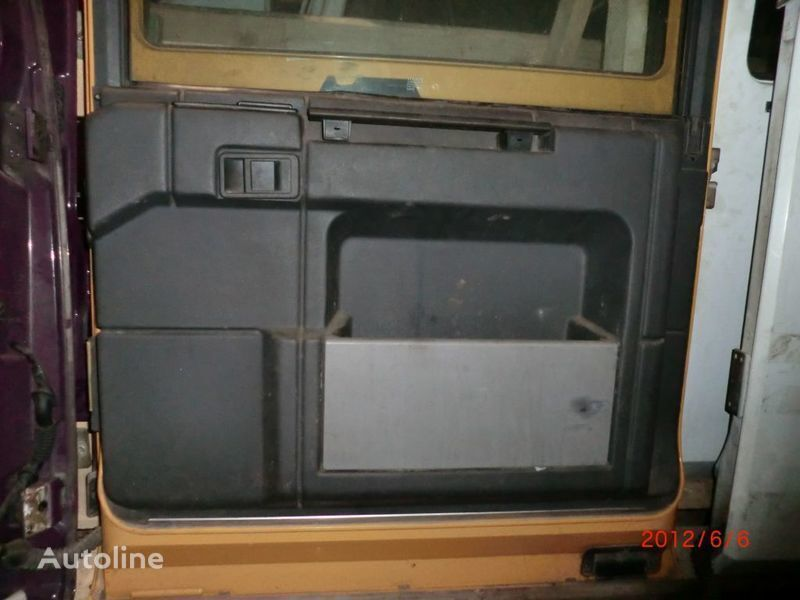 Obshivka puerta para RENAULT Magnum tractora