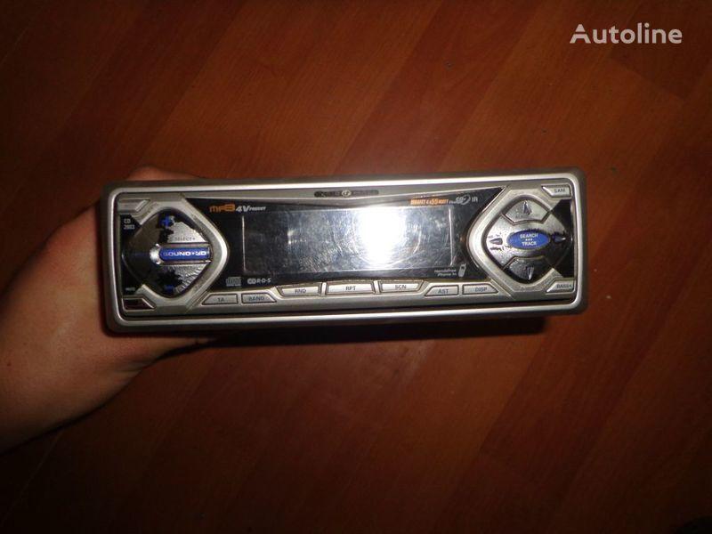 VDO Ayton. 12V. CD radio del coche para tractora
