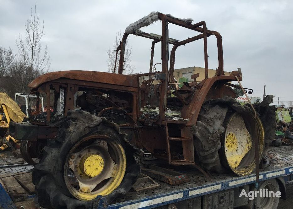 JOHN DEERE 6400  recambios para tractor para piezas