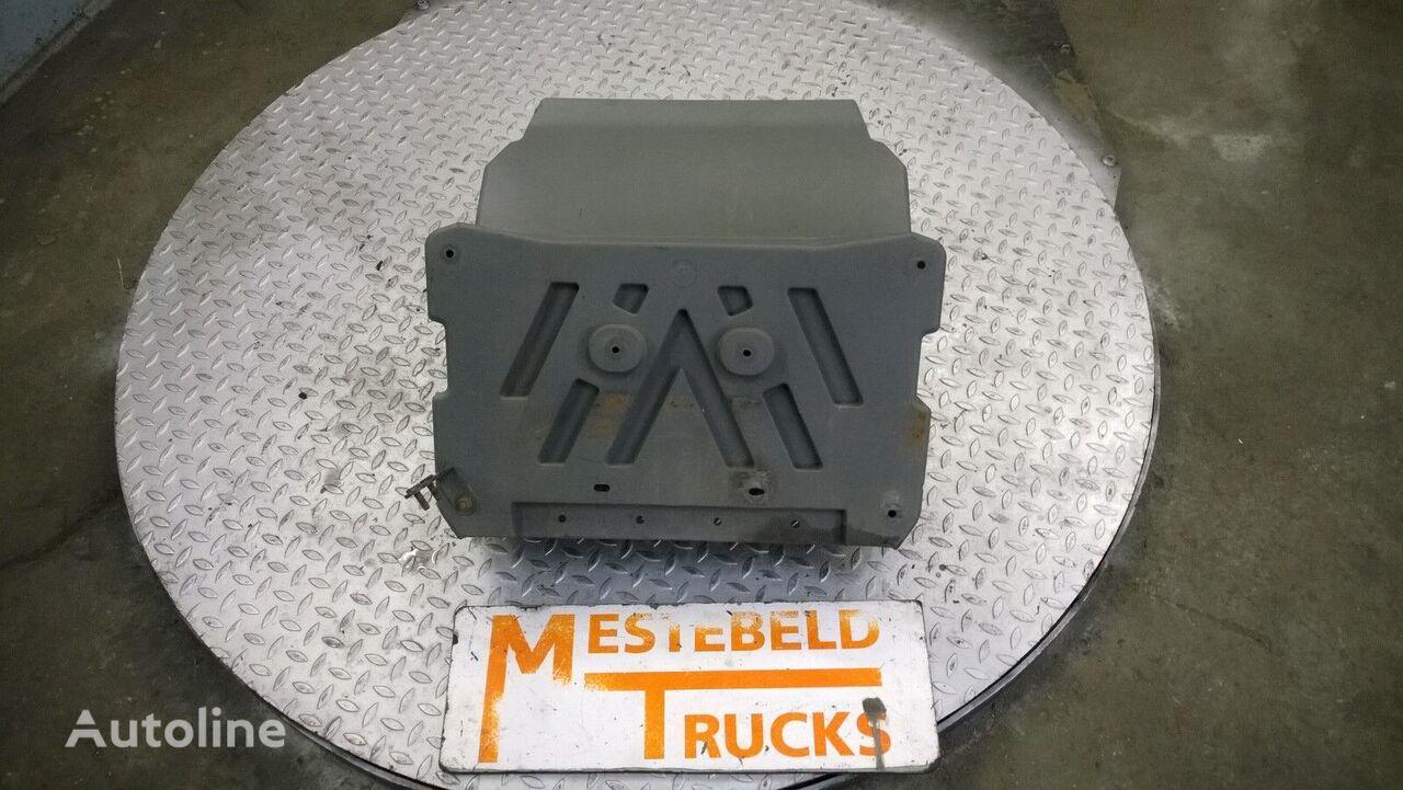 Spatbord vooras L/R MERCEDES-BENZ recambios para camión