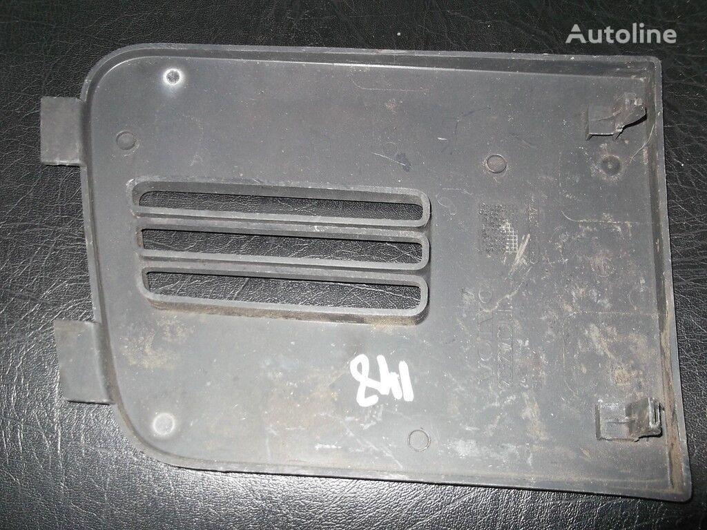 Kryshka nizhney reshetki radiatora  VOLVO recambios para VOLVO camión