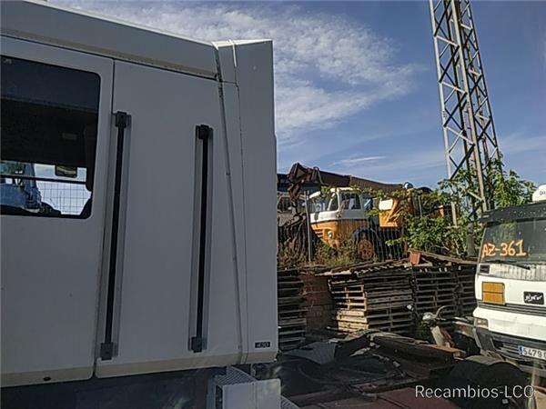 SPOILER LATERAL IZQUIERDO Renault Magnum AE 430.18 spoiler para RENAULT Magnum AE 430.18 camión