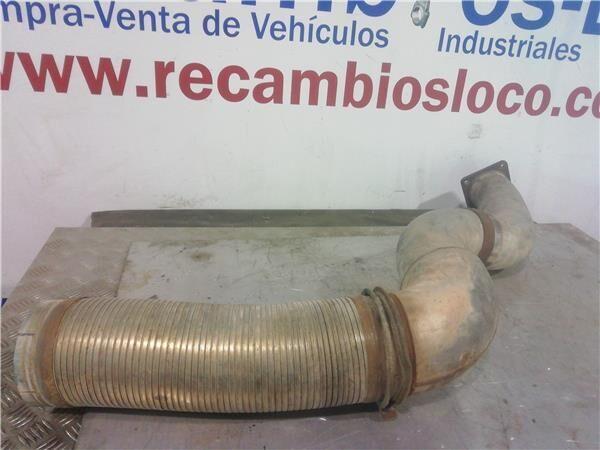 Tubo Flexible Renault Magnum  4XX.18/4XX.26  02 -> Chasis     4X tubo flexible de escape para RENAULT Magnum 4XX.18/4XX.26 02 -> Chasis 4X2 4XX.18 [12,0 Ltr. - 294 kW Diesel] tractora