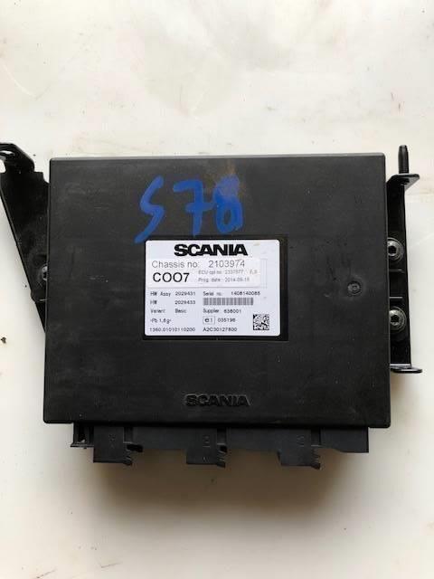 SCANIA COO7 CORDINATOR P/N: 2721555 / 2637006 unidad de control para tractora