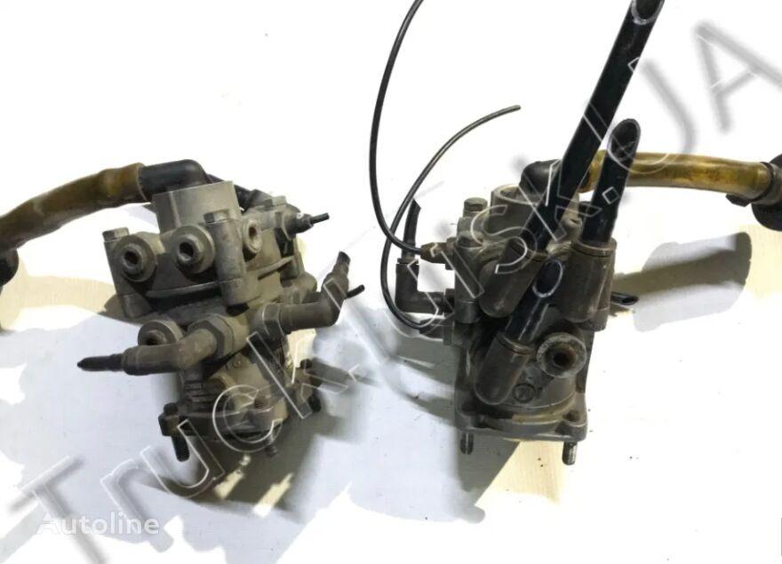 VOLVO (20410545,MB4849) válvula del freno de mano para VOLVO FH tractora