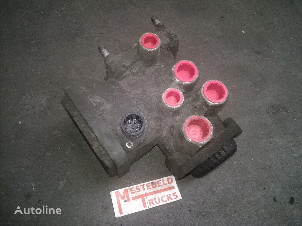 RENAULT Volgwagenstuurventiel válvula neumática para RENAULT  Premium camión