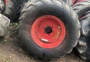 CLAAS Dominator rueda