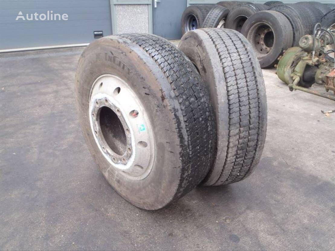 Michelin 275/70 R 22.50 rueda