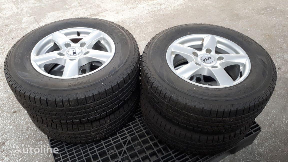 Pirelli Winterband Kia Sorento rueda nueva