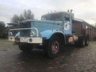 KRAZ 258 B tractora