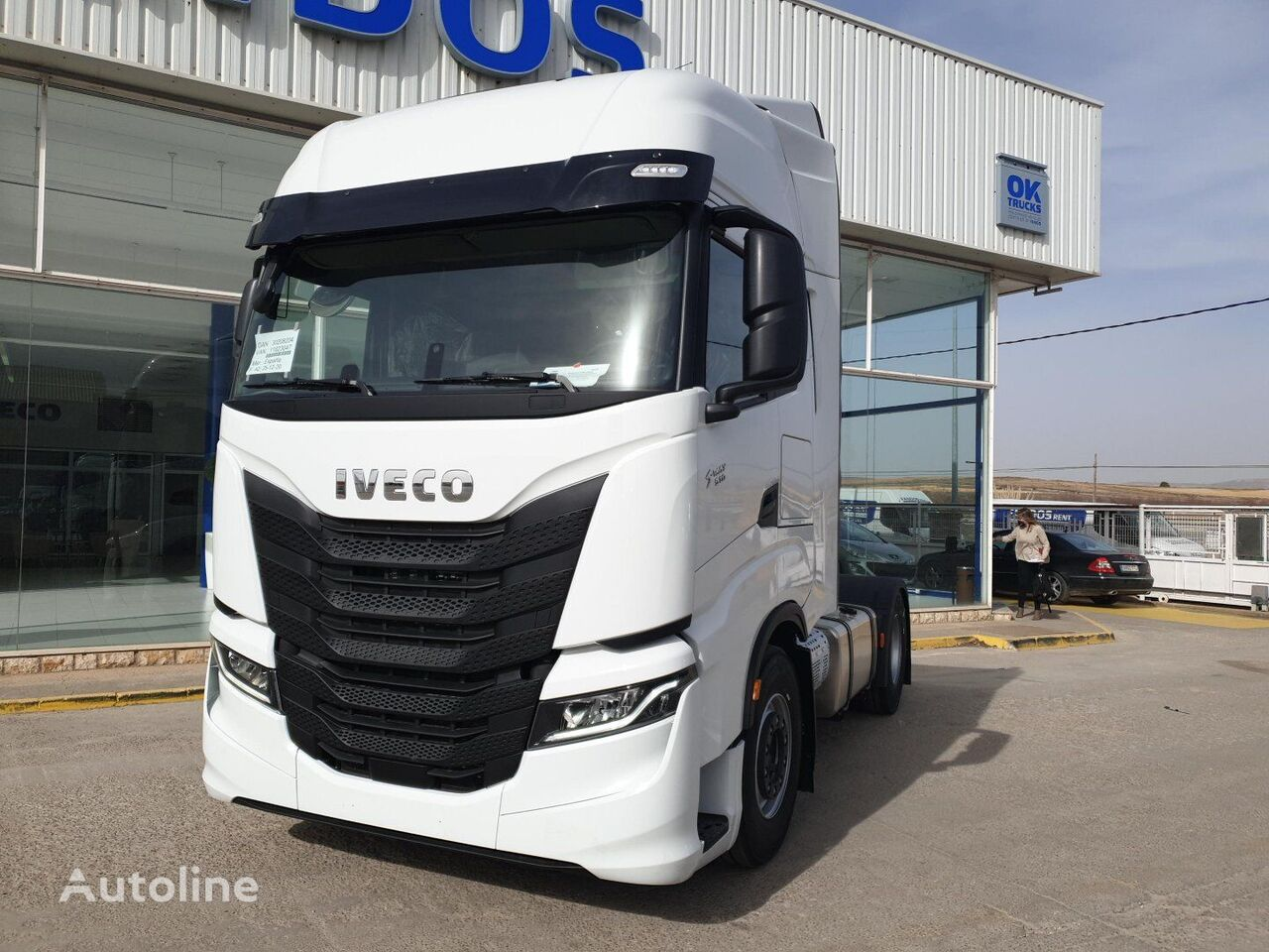 IVECO S-WAY AS440S51TP tractora nueva