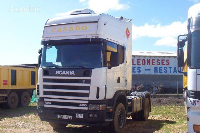 SCANIA L420 tractora