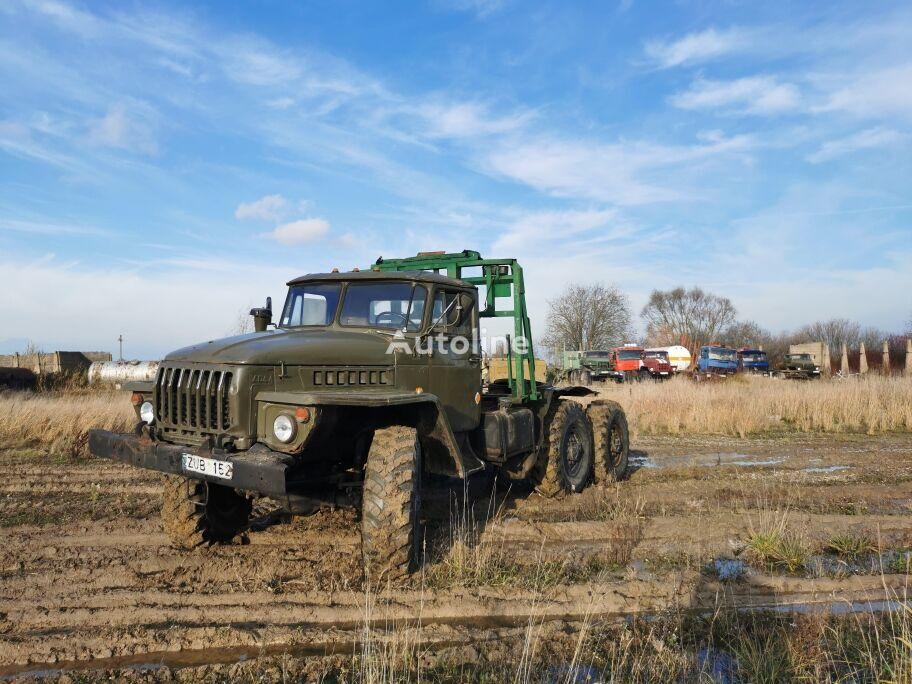 URAL 4320 tractora