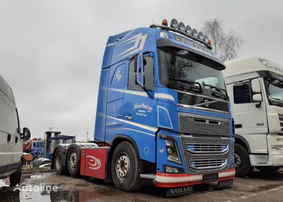 VOLVO FH16 750 6x2 pusher 620tkm EURO5 2013 FH4 oś skrętna 6X2/4 tractora